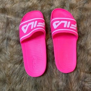 Fila Shoes - FILA SLIDES